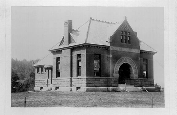 memorial-library-1897